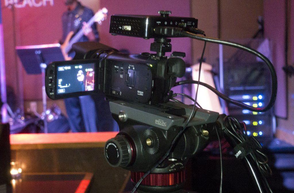 Live:Air Action : iPad로 어떻게 카메라 3대를 연결하고 스트리밍 까지 하는지 볼까요?